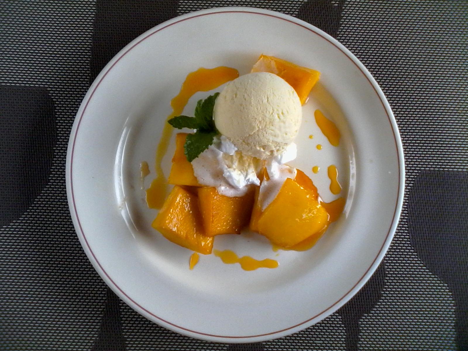 carré de mangue + glace vanille